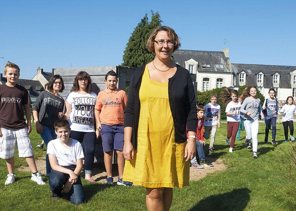 Mme Lautridou, principale du college de Bannalec