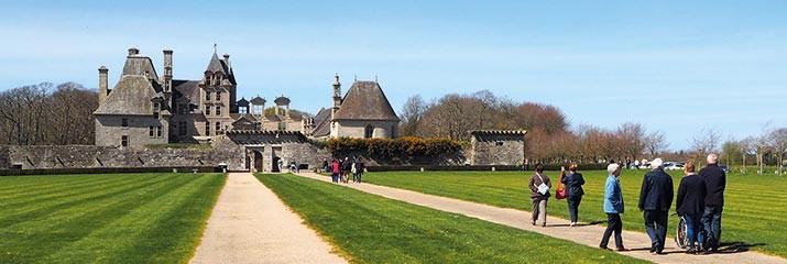RANDONNÉE PÉDESTRE autour du château de kerjean