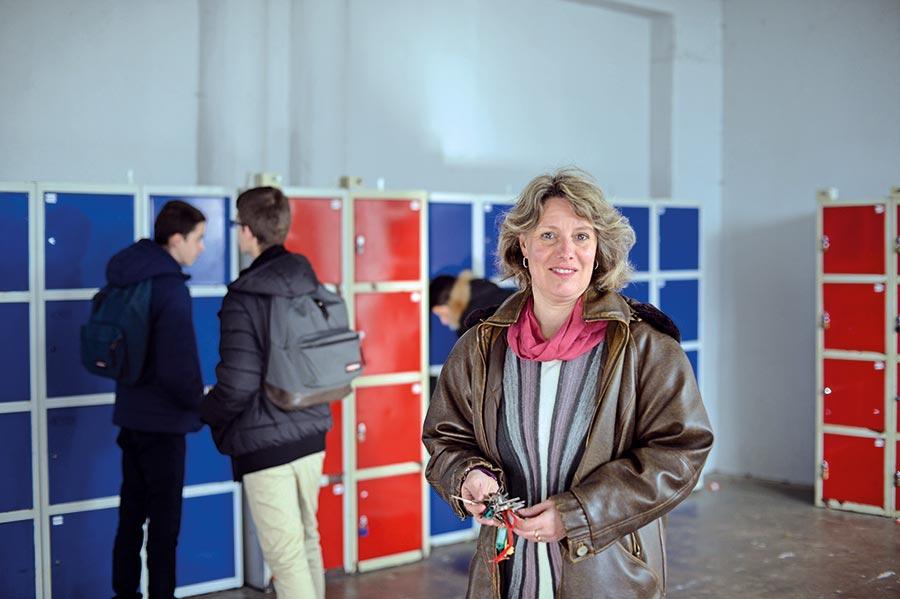 Anne-Catherine_Leclercq-agent_d-accueil_college_Brizeux-Quimp-page12-et13